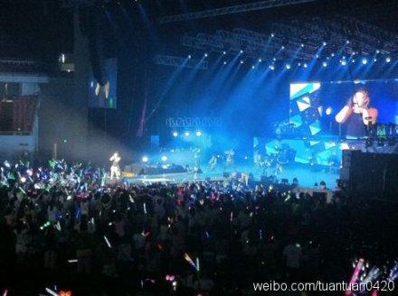 [30/05/2011] Mas fotos de Best Shangai C0047605_0182434